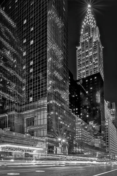 Photograph - Chrysler Building Nyc Rush by Susan Candelario