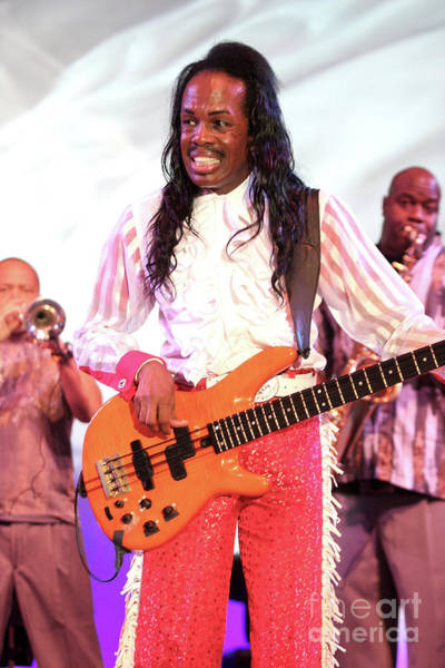 Wall Art - Photograph - Earth, Wind And Fire Bassist Verdine White  by Concert Photos