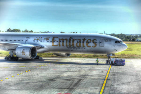 Wall Art - Photograph - Emirates Boeing 777-300er by David Pyatt