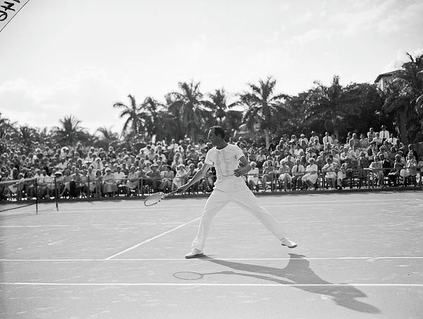 Court Photograph - Fred Perry On The Court by Bert Morgan