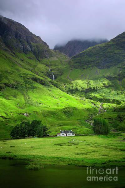 Photograph - Glencoe Cottage by Brian Jannsen