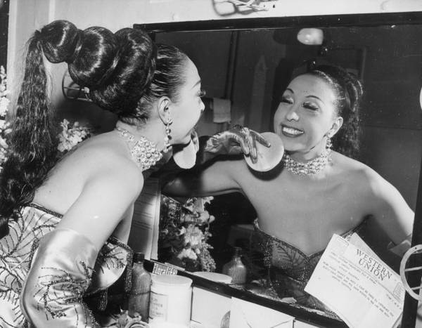 Apply Photograph - Josephine Baker by Hulton Archive