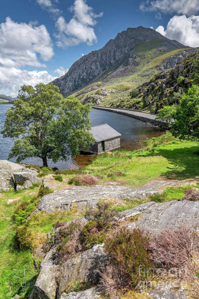 Photograph - Lake Ogwen And Tryfan Mountain by Adrian Evans