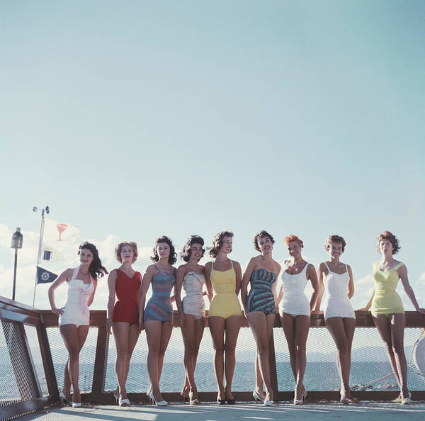 Group Of People Photograph - Lake Tahoe Ladies by Slim Aarons