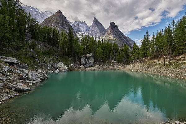 Verde Photograph - Lake Verde In The Alps by Jon Glaser