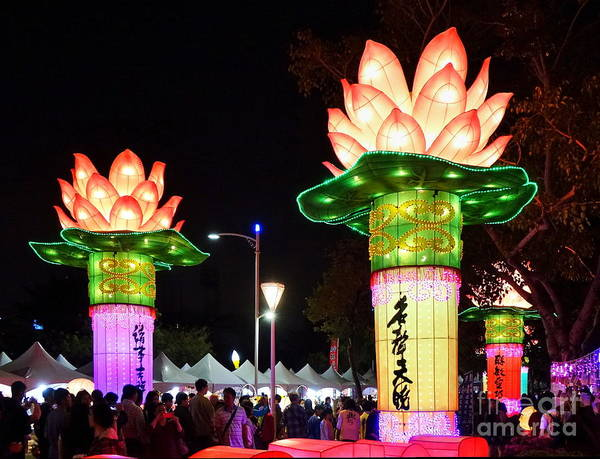 Wall Art - Photograph - Large Lanterns In The Shape Of Lotus Flowers by Yali Shi