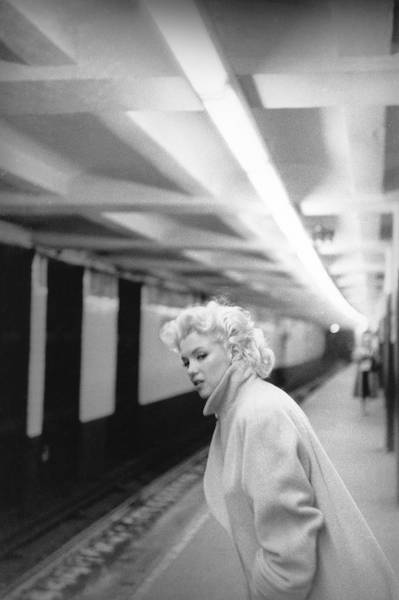 Marilyn In Grand Central Station Art Print by Michael Ochs Archives