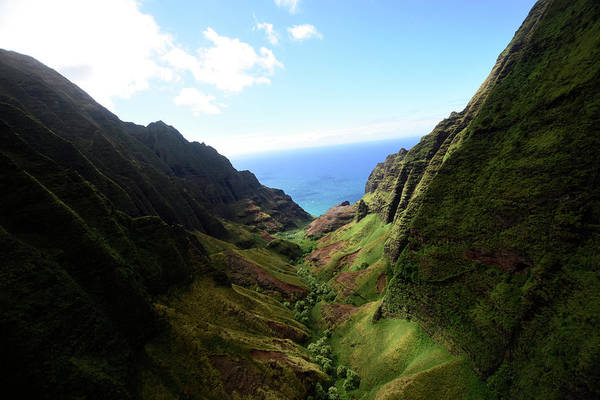 Photograph - Na Pali Coast State Wilderness Park by Ryan Rossotto