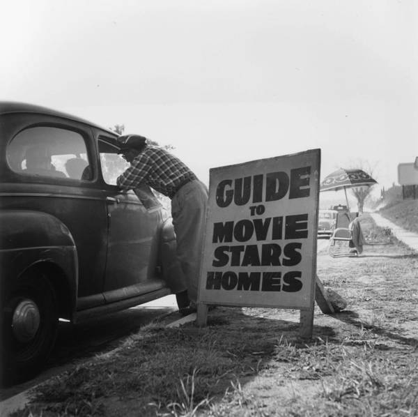 Usa Map Photograph - Nosey Fans by Slim Aarons