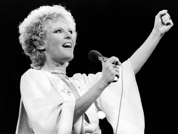 1974 Photograph - Petula Clark On Stage by Tony Russell