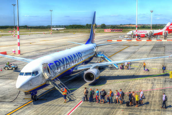 Wall Art - Photograph - Ryanair Boeing 737 by David Pyatt
