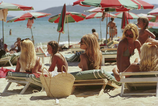 Group Of People Photograph - Saint-tropez Beach by Slim Aarons