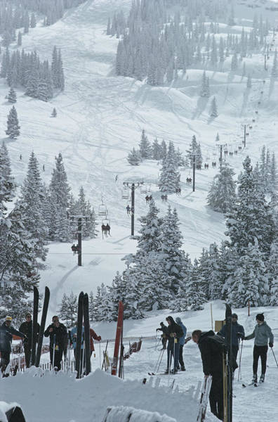 Vertical Photograph - Skiing In Vail by Slim Aarons