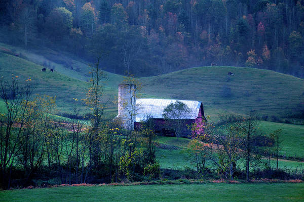 Photograph - Smoky Mountain Barn Autumn by David Chasey