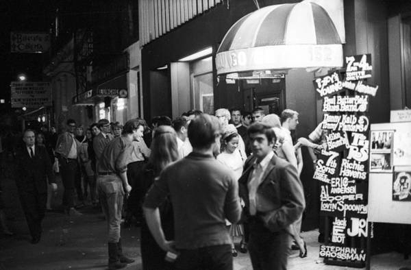 Greenwich Village Photograph - The Cafe Au Go Go by Michael Ochs Archives