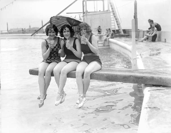Margate Photograph - Three Little Maids by Fox Photos