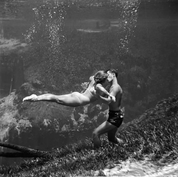 Girlfriend Photograph - Underwater Kiss by Ehalm