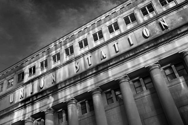 Wall Art - Photograph - Union Station, Chicago by Donald Schwartz