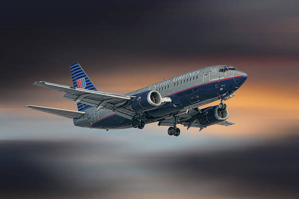 United Airlines Wall Art - Mixed Media - United Airlines Boeing 737-522 by Smart Aviation