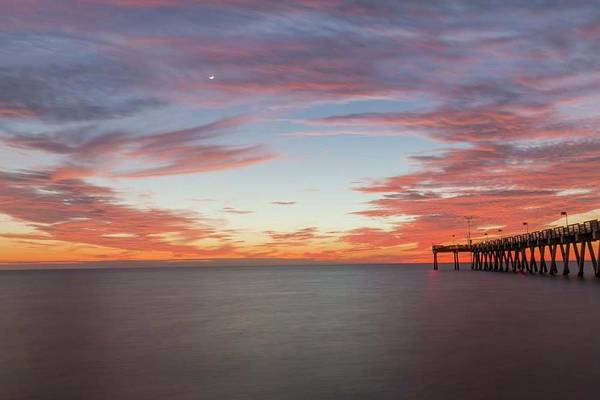 Photograph - Venice Pier Sunset by Paul Schultz
