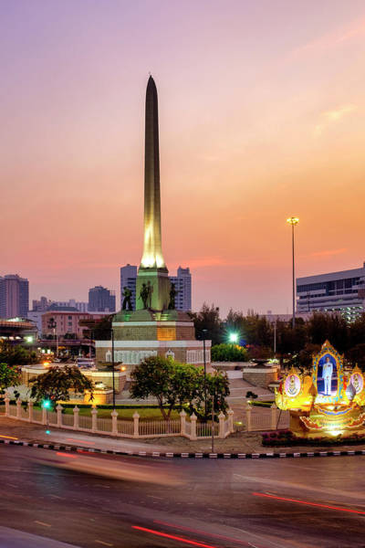 Photograph - Victory Monument by Fabrizio Troiani
