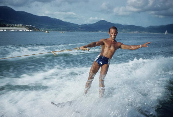 Acapulco Photograph - Water Skiing In Acapulco by Michael Ochs Archives