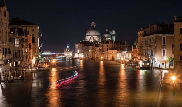 Venezia Wall Art - Photograph - When The Night Comes by Jaroslaw Blaminsky