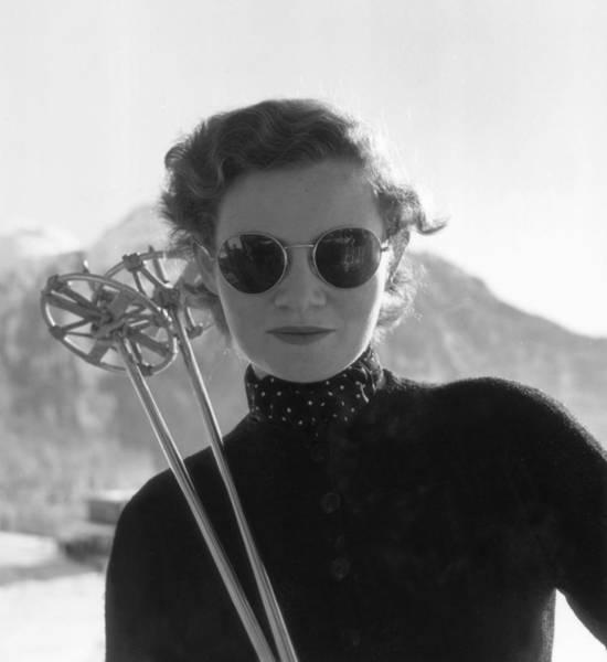 Switzerland Photograph - Womens Skiing by Kurt Hutton