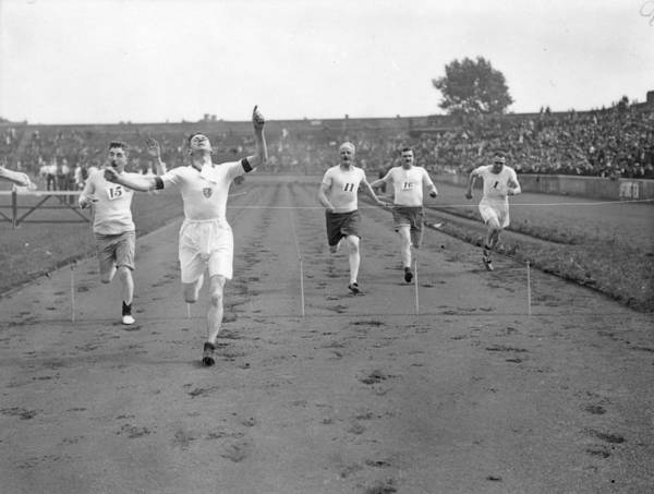 Stamford Photograph - 100 Yards Sprint by Kirby