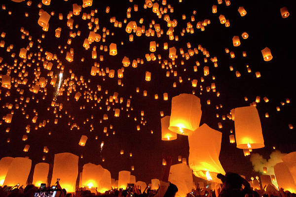 Released Photograph - 10,000 Lantern Launch,  Yi Ping by Steve Smith