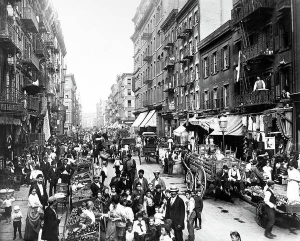 Italian Immigrants Wall Art - Photograph - New York Lower East Side by Granger