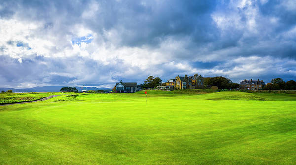 Wall Art - Photograph - 18th Green With Clubhouse And Hotels by Panoramic Images