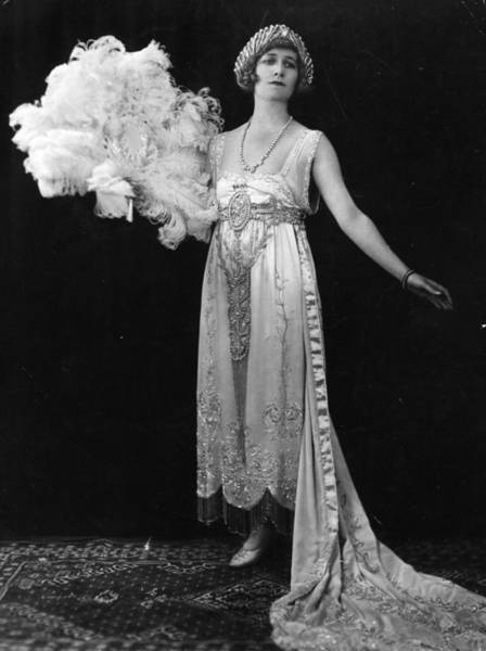 Evening Wear Photograph - 1920s Fashion by General Photographic Agency
