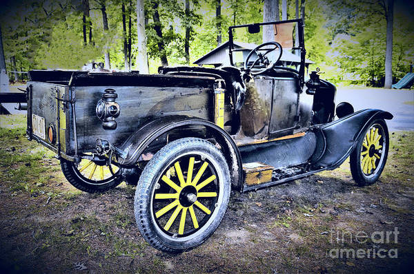 Wall Art - Photograph - 1922 Ford Model T by Suzanne Wilkinson