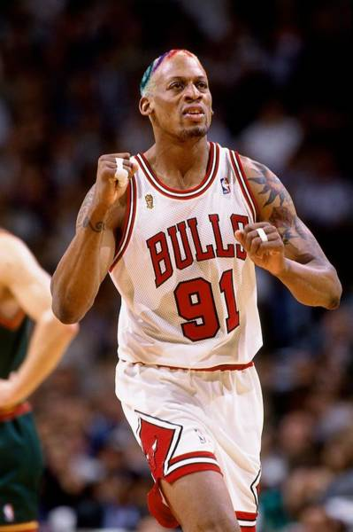 Chicago Bulls Photograph - 1996 Nba Finals Game 1  Seattle by Andy Hayt