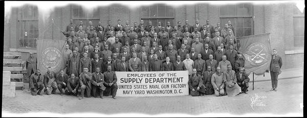 Wall Art - Photograph - African American Employees In Photo by Fred Schutz Collection