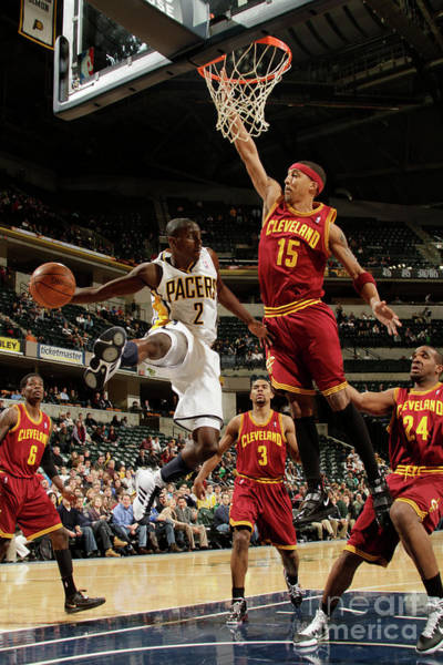 Photograph - Cleveland Cavaliers V Indiana Pacers by Ron Hoskins