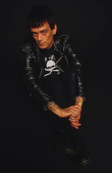 Punk Rock Wall Art - Photograph - Dee Dee Ramone Photo Session by Jim Steinfeldt