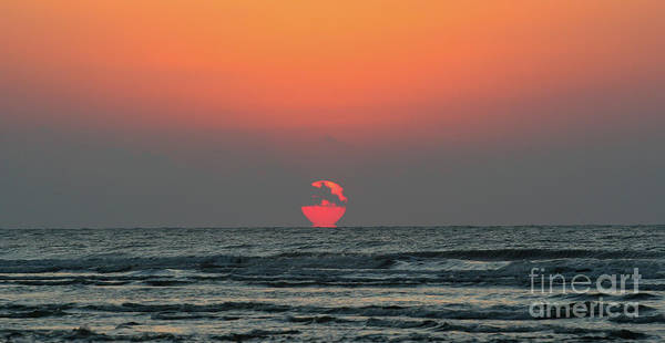 Photograph - Isle Of Palms Sunrise by Kevin McCarthy