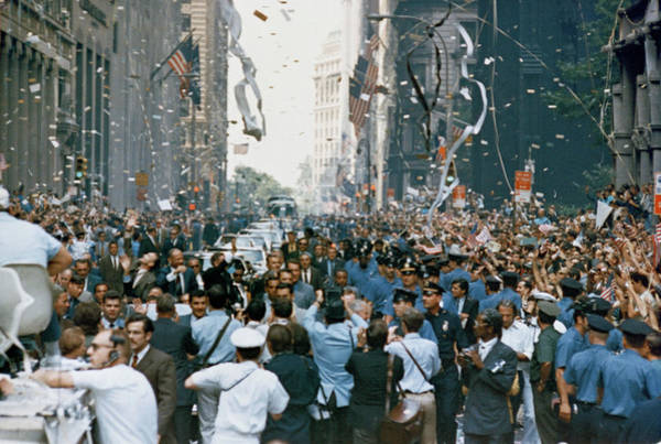 Photograph - Nyc, Ticker Tape Parade For Apollo 11 by Science Source