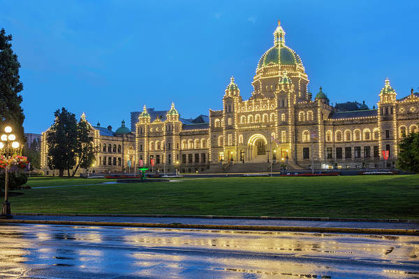 Wall Art - Photograph - Parliament Building In Victoria by Chuck Haney