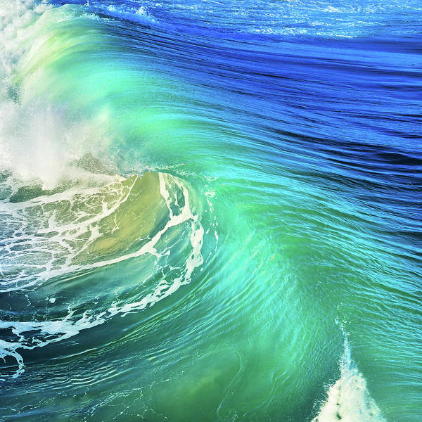 Uplift Photograph - The Great Wave by Laura Fasulo
