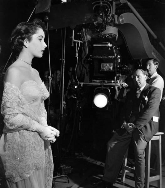 Concentration Photograph - Elizabeth Taylor by Hulton Archive