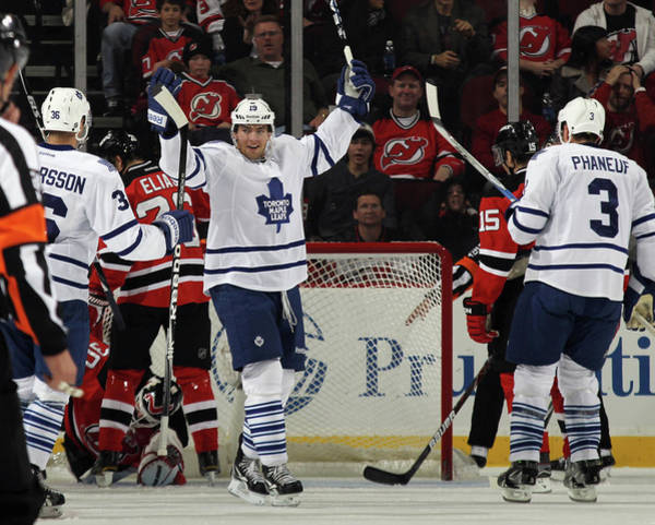 Scoring Photograph - Toronto Maple Leafs V New Jersey Devils by Bruce Bennett
