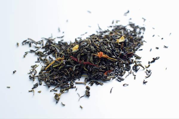 Jasmine Photograph - Close Up Of Pile Of Tea Leaves by Brett Stevens