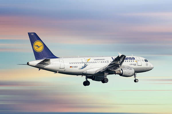 Wall Art - Mixed Media - Lufthansa Airbus A319-114 by Smart Aviation