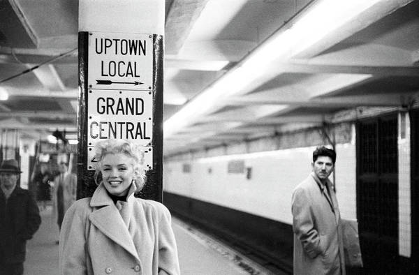 Horizontal Photograph - Marilyn In Grand Central Station by Michael Ochs Archives