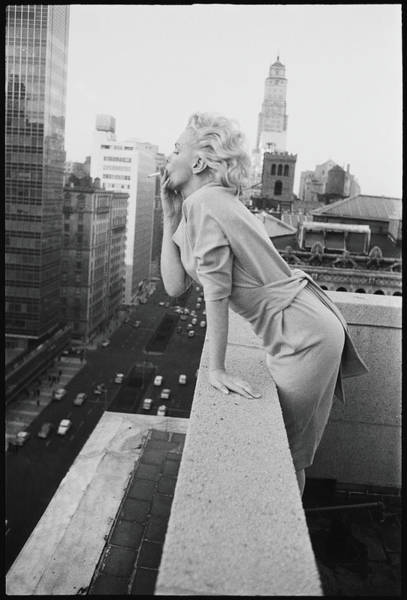 Street Photograph - Marilyn On The Roof by Michael Ochs Archives