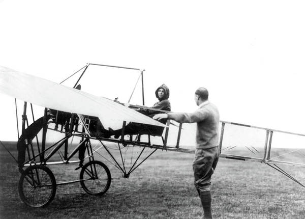 Wall Art - Photograph - Harriet Quimby, American Aviatrix by Science Source
