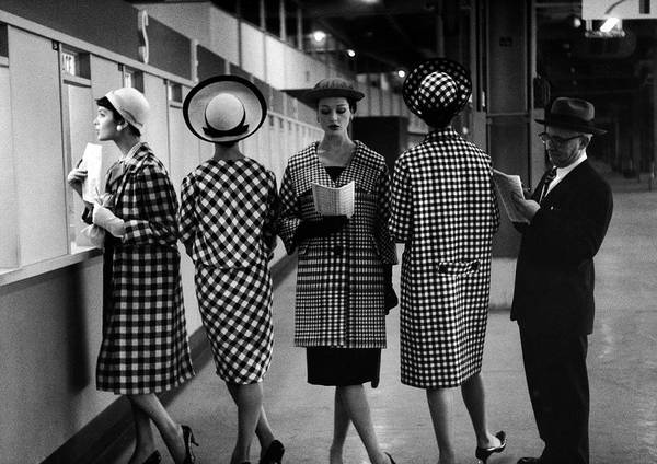 Dress Photograph - 5 Models Wearing Fashionable Dress by Nina Leen